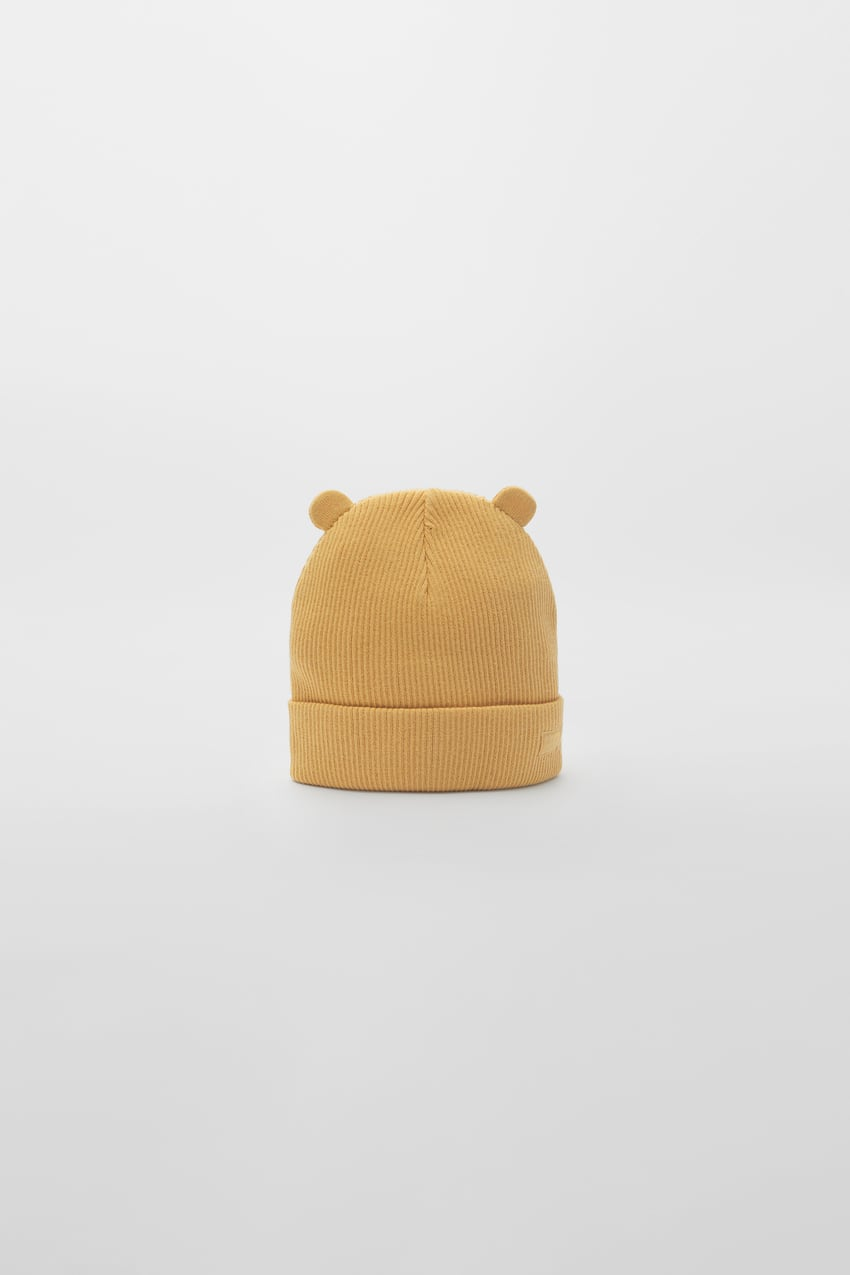 ribbed-beanie-with-label